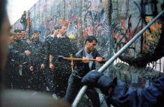 تدمير جدار برلين