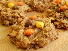 Peanut butter banana oatmeal cookies - Drizzle Me Skinny! Peanut butter banana oatmeal cookies – Drizzle Me Skinny! Skinny Recipes, Ww Recipes, Cooking Recipes, Banana Recipes, Muffin Recipes, Weight Watcher Cookies, Weight Watchers Desserts, Ww Desserts, Healthy Desserts
