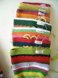 haken en zo wat meer, tinekeshaakpatronen: Trakteren op knikkerzakken Friendship Bracelets, Crocheting, Vest, Crochet, Knits, Lace Knitting, Quilts, Chrochet, Friend Bracelets
