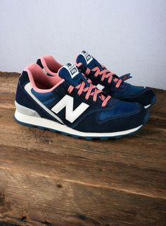 separation shoes 3c5eb 5c2e7 Pink detail New Balance Trainers, New Balance Shoes, Sneaker Games, Pretty  Shoes,