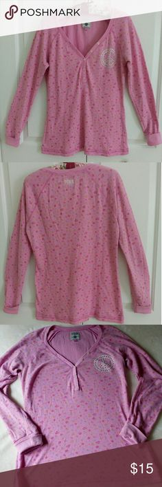"""Pretty in PINK Thermal Peace!! A nice thermal to chill in. Measuring 20"""" across bust and 25"""" length. The cuffs show some teeny pilling. This is fitted and might be a Juniors, please be aware. PINK Victoria's Secret Tops Tees - Long Sleeve"""