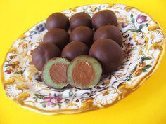 Moha Konyha: Mozart golyó házilag Christmas Candy, Christmas Baking, Hungarian Recipes, Winter Food, Cake Cookies, No Bake Cake, Fudge, Nutella, Sweet Recipes