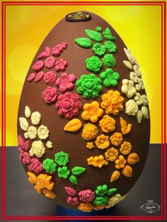 Sabías que nuestros Huevos de Pascua están rellenos con bombones...? Te encantarán !!! #bombonespeñalba #bombones #oviedo #chocolat #chocolate #chocoholic #huevosdepascua #pascua #instafood