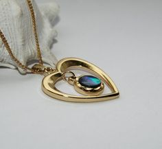 Hey, I found this really awesome Etsy listing at https://www.etsy.com/listing/487547961/seashell-powershell-gold-plated-pendant