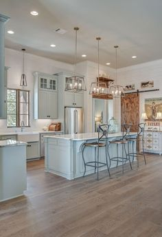 Farmhouse Kitchen Cabinets Decorating Ideas On A Budget (24)