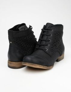 Shoes for Girls & Women. I love these, especially with the lace. Soo beautiful...