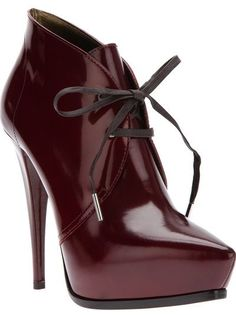 Looking for a new pair of sexy heels? Go to www.shoptrap.com to find many online stores to choose from.