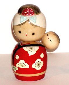 JAPANESE WOODEN KOKESHI DOLL MOTHER AND BABY