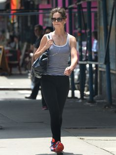 Katie Holmes puts an athletic foot forward as she heads home after a workout sesh in NYC. Celebrity Workout, Celebrity Fitness, Katie Holmes, Celebs, Celebrities, Back Home, Stay Fit, In Hollywood, New York City