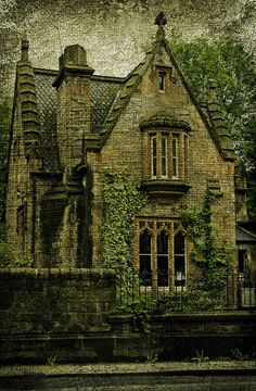 house front <3  Would be a great cottage or gate house.  I'll take the cottage  :0