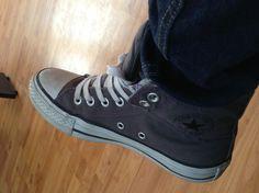 #Converse #tenis # gris # sala Converse Chuck Taylor High, Converse High, High Top Sneakers, Converse Tenis, Chuck Taylors High Top, High Tops, Shoes, Fashion, Gray