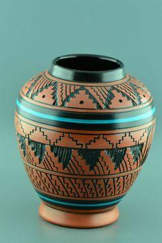 8 Persistent Cool Ideas: Old Vases Inspiration geometric vases candle.Glass Vases With Eucalyptus simple vases twine.Old Vases Inspiration. Navajo Pottery, Southwest Pottery, Southwestern Art, Pueblo Pottery, Southwest Style, Native American Artwork, Native American Pottery, Native American Jewelry, Pottery Vase