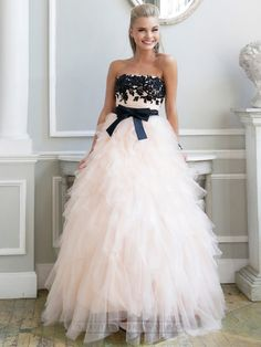 Luxury Strapless Floral Embellished Long Prom Dresses with Ruffled Skirt
