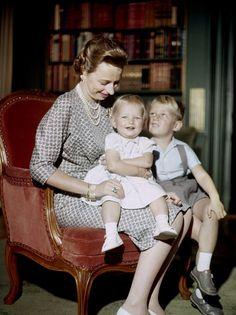 la princesse Ragnhild de Norvège et deux de ses trois enfants