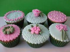 cupcakes de chocolate decorados con fondan