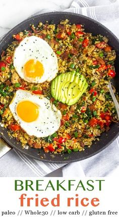 Healthy fried rice for breakfast! This one pan & paleo breakfast fried rice is loaded with bacon, veggies, that great fried rice flavor, and topped with eggs of choice. Makes a comforting savory breakfast while keeping it paleo, gluten fr Breakfast Fried Rice, Whole 30 Breakfast, Savory Breakfast, Healthy Breakfast Recipes, Paleo Recipes, Carb Free Breakfast, Dinner Recipes, Breakfast Bake, Paleo Whole 30