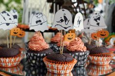 Halloween Gespenster Muffins ...Halloween ghost cupcakes (2013)