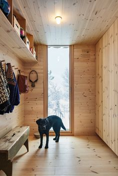 Lillehammer, Architectural Digest, House In Nature, Mudroom, Entryway Bench, Architecture, Instagram, Furniture, Home Decor