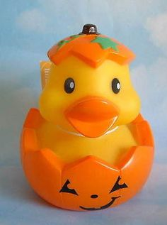$6.95~~Such a spooky cutie!  New Halloween Rubber Duck Duckie Ducky in Jack 'O Lantern Pumpkin Floating Toy
