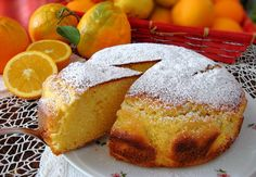 Torta delicata alla ricotta. La torta ideale per la colazione, soffice soffice e ottima da inzuppare in una bella tazzona di latte caldo.