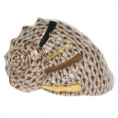 """Herend Hand Painted Porcelain Figurine """"Helmet Shell"""" Chocolate Fishnet Gold Accents."""