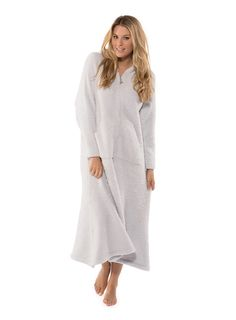 <p>Slip into our ever-so-practical and ultra soft lounger. �This roomy, zip-up silhouette lends itself to being functional and stylish. �Featuring a long, front zipper adorned with a beachy, brushed starfish pull, generous front pocket and hood.</p>