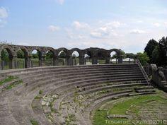 Viterbo (VT) - Ferento o Ferentium - le gradinate del teatro - Photo G. Garofoli (05-2009) - © All rights reserved - Tesori del Lazio