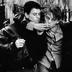This is when I fell in love with Leo. mark wahlberg & leo dicaprio while filming the basketball diaries - I Movie, Movie Stars, Leonardo Dicapro, Basketball Diaries, Young Leonardo Dicaprio, Mark Wahlberg, Charlie Chaplin, Celebrity Dads, 1990s