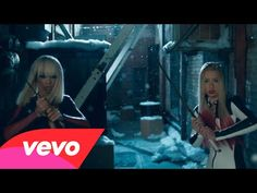 #IggyAzalea - Black Widow ft. #RitaOra. Watch Iggy Azalea & Rita Ora play sexy samurais in the new music video for #BlackWidow. This mini movie pays tribute to the Quentin Tarantino cult classic 'Kill Bill'.
