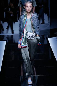 See all the Collection photos from Emporio Armani Spring/Summer 2017 Ready-To-Wear now on British Vogue Emporio Armani, Giorgio Armani, Armani Collection, Fashion Show Collection, Fashion Week, Fashion 2017, Fashion Brands, Paris Fashion, Grey Fashion
