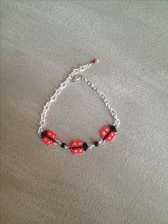 ladybug bracelet, miyuki delicas... brick stitch