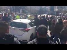 Proteste masive ale taximetriștilor eleni contra Uber. Taximetriștii se răzbună pe șoferii parteneri Uber lovind mașinile. Uber, Taxi, Vehicles, Car, Vehicle, Tools