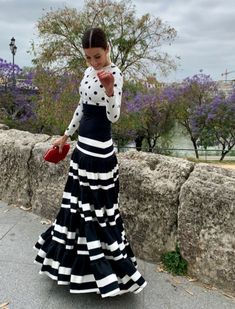 Celebrities are already walking through the April Fair in Seville 2019 - Bulevar Sur - flamenco - Dress Outfits, Fashion Dresses, Cute Outfits, Spanish Dress Flamenco, Fashion Bloggers Over 40, Cocktail Outfit, Black White Fashion, The Dress, Dress Patterns