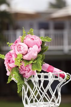 Google Image Result for http://pacificweddings.com/files/articles/pw_21_peonies_3.jpg