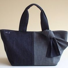2 Taschen mit Einkaufstasche Toledo No. 10 Paraffin - Lilly is Love Denim Handbags, Denim Tote Bags, Diy Bags Purses, Backpack Pattern, Diy Handbag, Recycle Jeans, Creation Couture, Boho Bags, Patchwork Bags