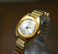 e0ab037e109 Classy Vintage Timex Gold Plated Ladies Bracelet Watch - Wind up Movement  made in Great Britain - Expanding Bracelet