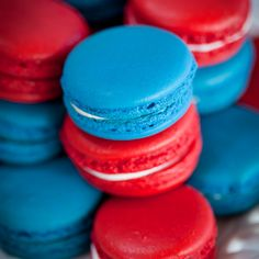 Red and Blue Macarons Red Macarons, Macaroons, Aesthetic Colors, Aesthetic Pictures, Aesthetic Boy, Green And Orange, Red White Blue, Blue Cupcakes, Unique Cakes