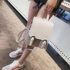 Design and style Handbags : Specifically for your day-to-day commute, institution, or introducing an extended journey, choose the backpack suit needs. Designer Backpack Purse, Designer Backpacks, Fashion Bags, Fashion Backpack, Cute School Bags, Mini Mochila, College Bags, Backpacks For Sale, Clear Bags