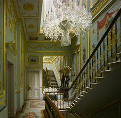 The lavish lifestyle of an Irish lord in London : The Drawing Room of Dr Edward Haughey aka Lord Ballyedmond of Mourne; n°9, Belgrave Square, London