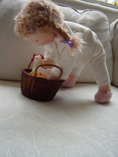 waldorf doll playing, by poppelien