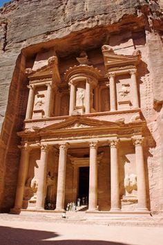 # Jordanie : Sublime temple du Khaznet à Petra. Les Nabatéens, les Romains, les Bédouins, Tintin , Indiana Jones !!!