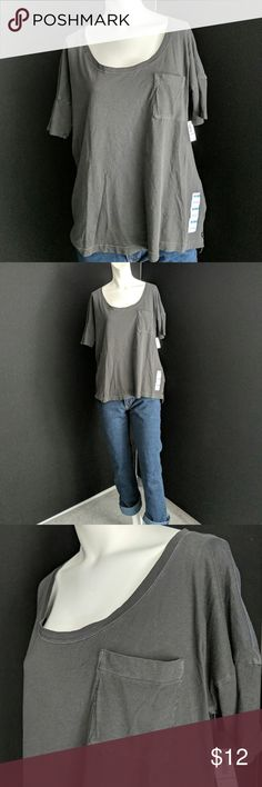 Old Navy boyfriend tee Very cute and brand new with tags Old Navy boyfriend tee. Very slouchy and comfortable throw on with your favorite pair of shorts or jeans. Wide neckline, drop shoulder, boxycut size medium Old Navy Tops