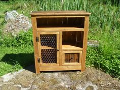 Rustic Pallet cabinet with chicken wire door