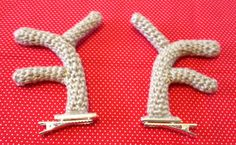 Crochet Reindeer Antler Hair Clips! Free Pattern!! Thanks so xox ☆ ★   https://uk.pinterest.com/peacefuldoves/