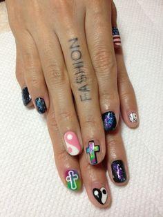 I want my nails like this! Cute Nail Art, Cute Nails, Pretty Nails, Fancy Nails, Yin Yang Nails, Hair And Nails, My Nails, Nail Tattoo, Stylish Nails