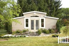 Granny pods Grandmas in the Backyard, Kids! Granny Pods Are Becoming a Thing pods backyard cottage floor plans Grandmas in the Backyard, Kids! Granny Pods Are Becoming a Thing Granny Pod, Granny Flat, Cottage Floor Plans, House Plans, Cabin Plans, Grandma Pods, Bungalow, Asile, Backyard Cottage