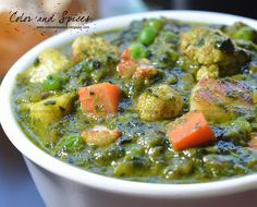 Color and Spices: Veg-saagwala.assorted veggies in spinach gravy Green Vegetable Recipes, Mix Vegetable Recipe, Veggie Recipes, Vegetarian Recipes, Dinner Recipes, Pasta Recipes Indian, North Indian Recipes, Punjabi Recipes, Veg Dishes