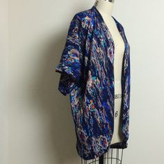 Eastandmarket has a great handmade line! This kimono is great for the warm weather that's heading our way! Check them out at eastandmarket.com