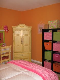 she wants an orange room in the new house