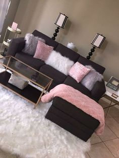 10 Comfortable and Cozy Living Rooms Ideas You Must Check! - Interior Remodel Most comfortable and cozy living room ideas Source by pkahijor Living Room Decor Cozy, Bedroom Decor, Bedroom Ideas, Living Room Goals, Cozy Bedroom, Black Bed Room Ideas, Living Room Ideas Black And White, Living Room Decor College, Living Room Decor Dark Brown Couch
